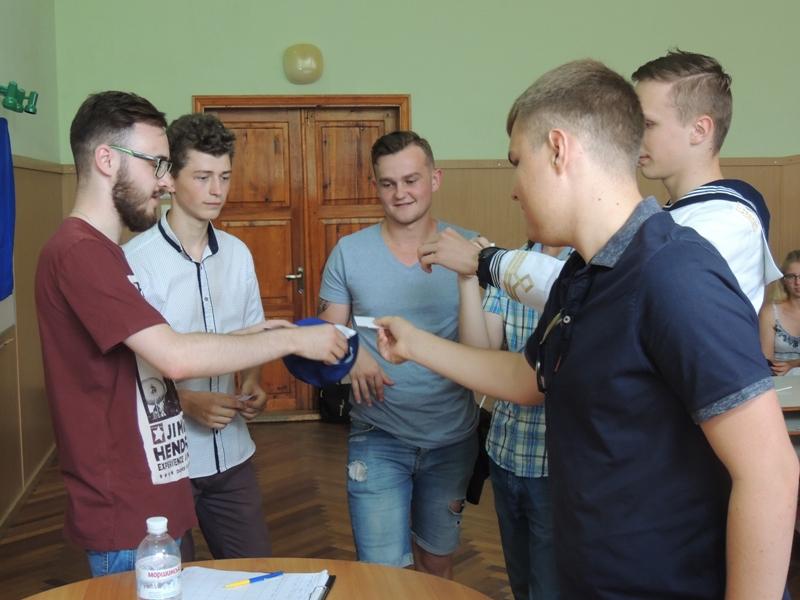 В студенческих соревнованиях по брейн-рингу победили курсанты морской академии
